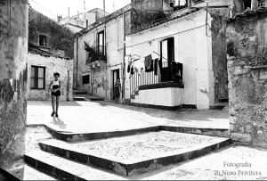 Giocare in cortile - Melilli 1980